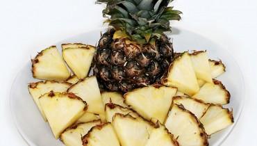 jak-kroic-ananasa