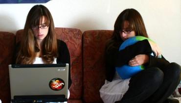 jak oglądać tv przez internet