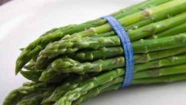Jak długo gotować szparagi