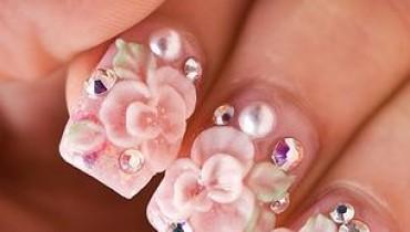 Jak nakładać żel na paznokcie