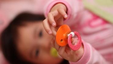 Jak oduczyć dziecko od smoczka
