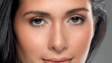Jak optycznie wyszczuplić twarz