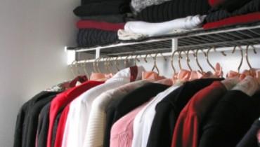 Jak poukładać w szafie