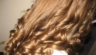 Jak kręcić włosy prostownicą