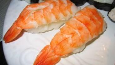 Jak zrobić nigiri sushi z łososiem