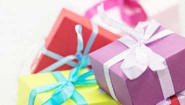jak-wreczac-prezenty