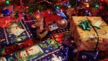 Jak wybrać prezent świąteczny dla kobiety