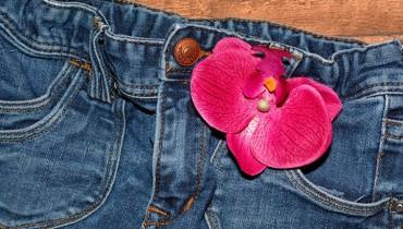 jak-przerobic-stare-jeansy
