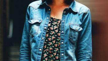 z-czym-nosic-kurtke-jeansowa
