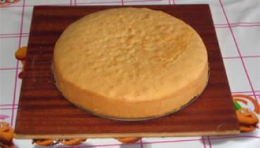 Jak zrobić syrop do nasączania ciasta?