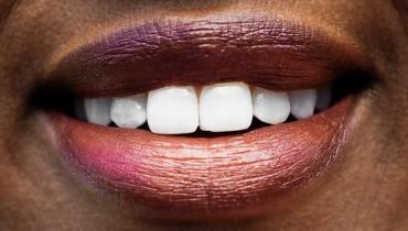 Jak naturalnie wybielić zęby