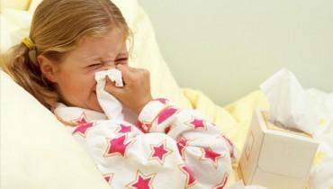 Jak obniżyć gorączkę u małego dziecka