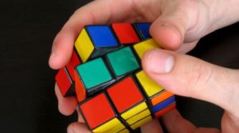 Jak błyskawicznie ułożyć kostkę Rubika